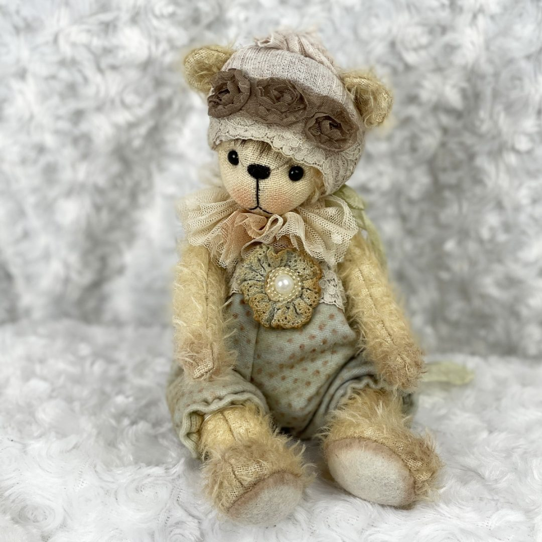 Charlotte Astrid Bear-min