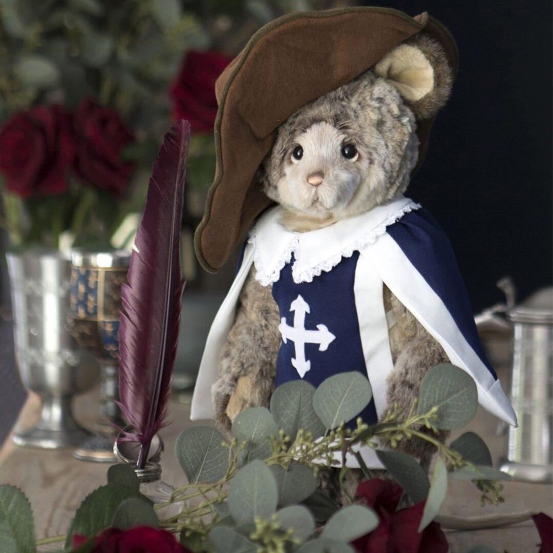 Gallant Mousekateer Charlie Bear-min