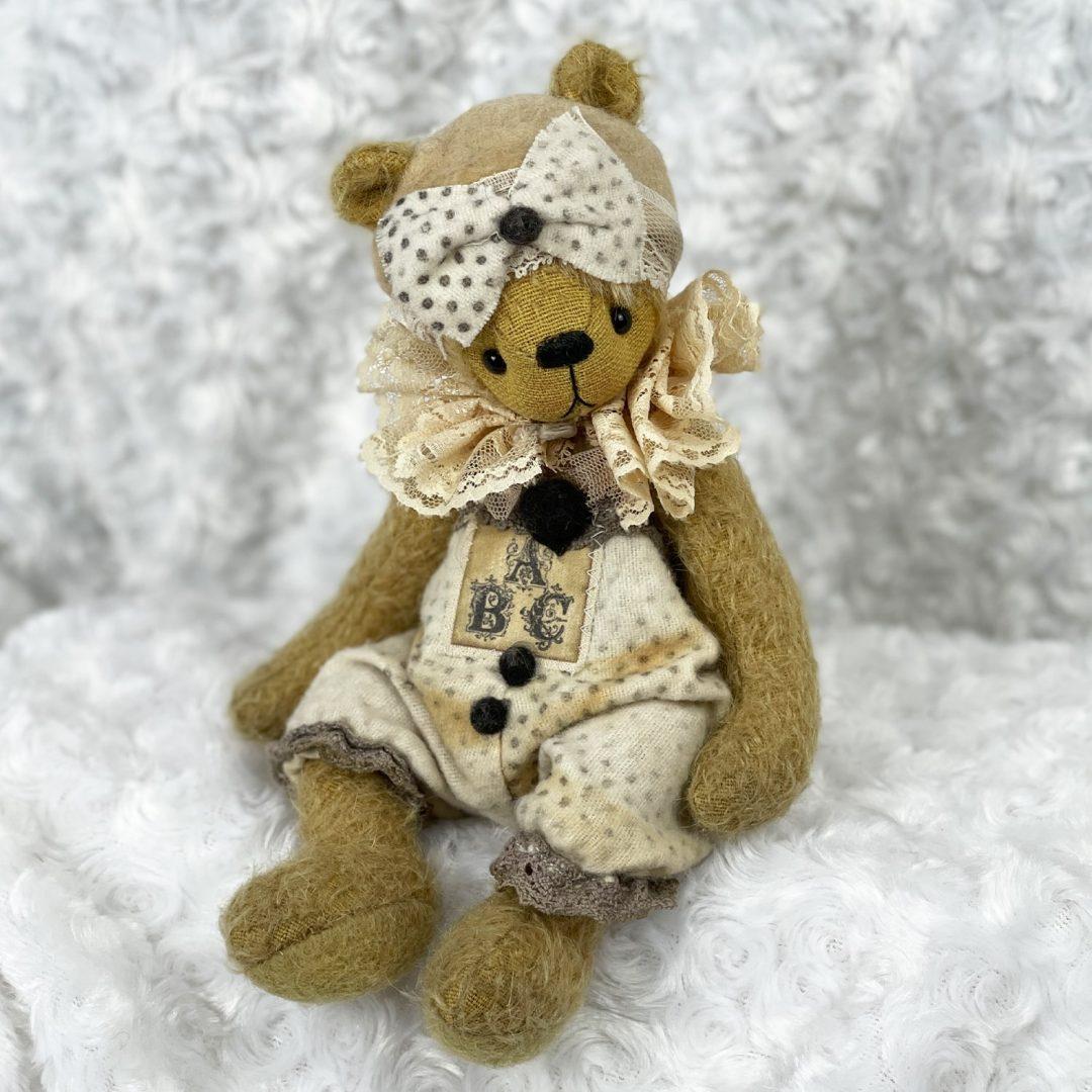 Paula Artist Bear Astrid Bear-min