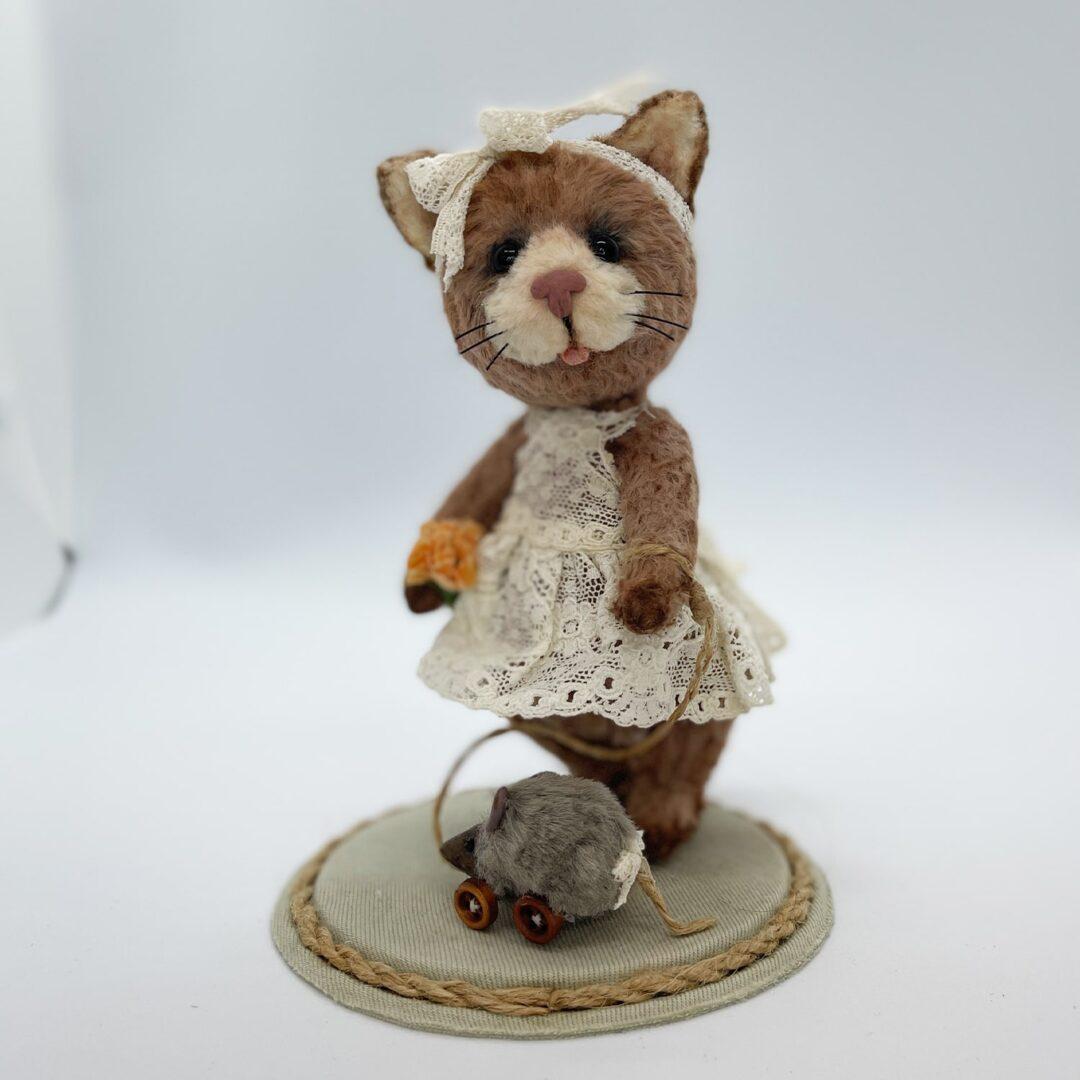 Little Kitty Cat Artist -min (3)