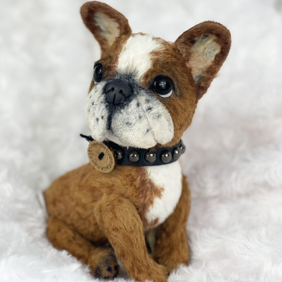 Rocky Artist Puppy-min