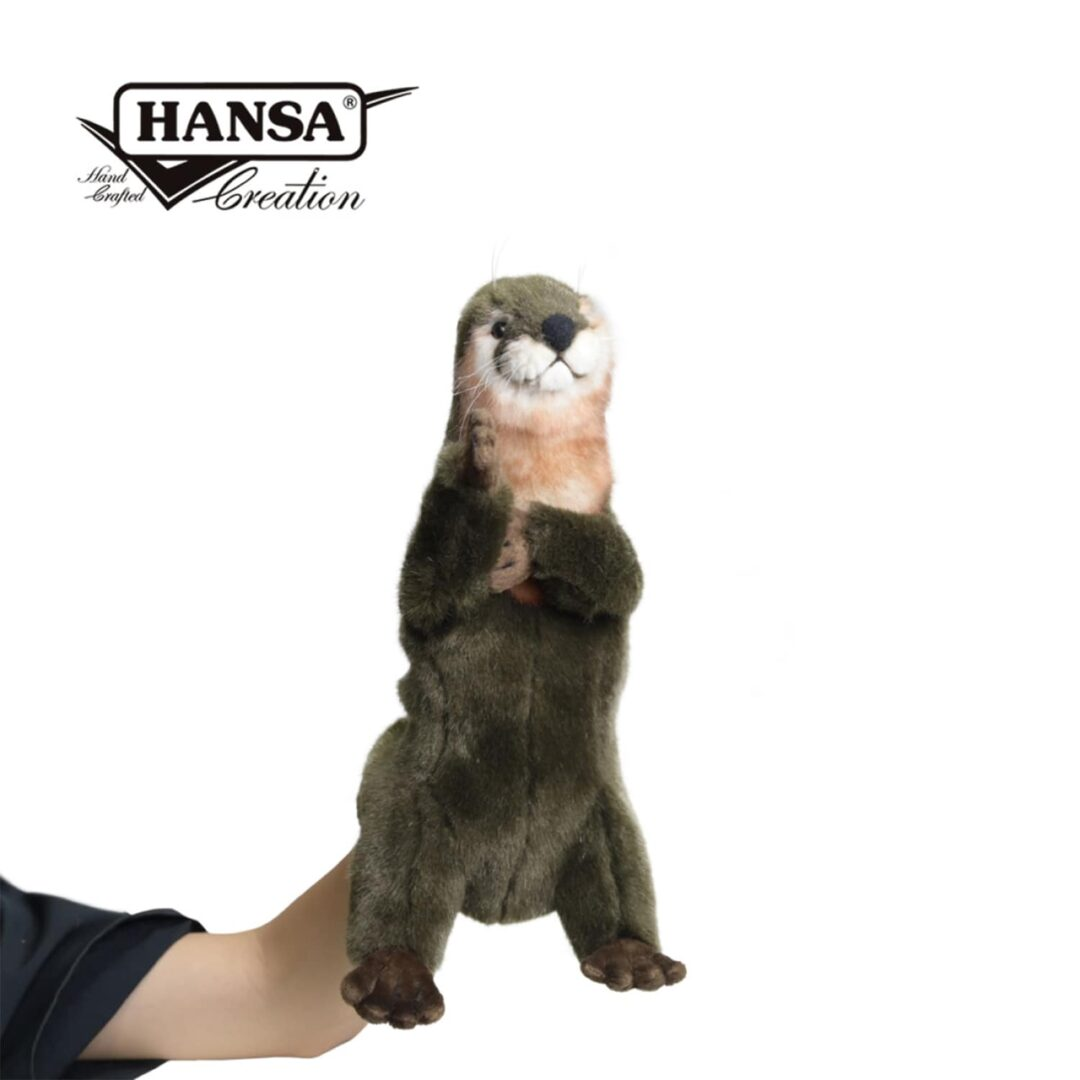 Otter Puppet Hansa-min